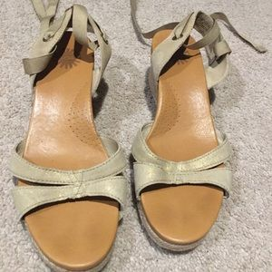 UGG Gladiator shimmer wedges size 7 SEXY